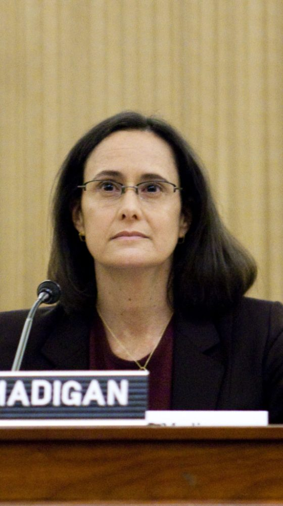 Lisa Madigan announces stunning decision on the heels of federal judge's order to proceed with law suit against father, Speaker Mike Madigan